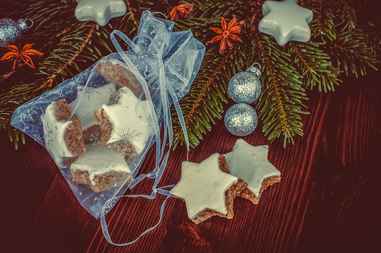 Ten Cheery & Cheap Christmas Gift Ideas